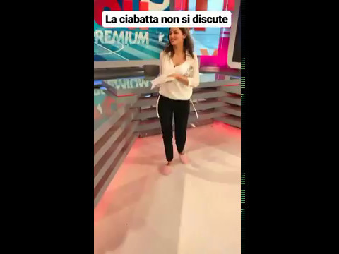 Stefania Scordio… bellezza in pantofole!