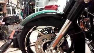 10. 2011 Harley Davidson street glide cvo  green