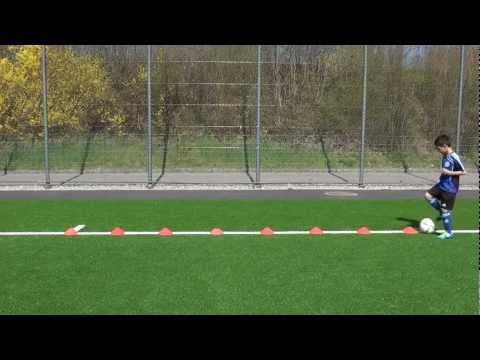 Ballkontrolle/-führung - www.justfootball.tv - Technik