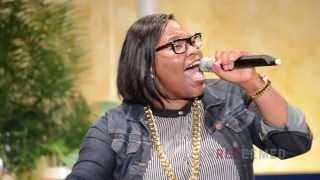 Tasha Cobbs - Break Every Chain (Live) - YouTube