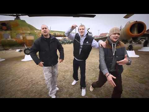 Kecelbeat - A 3 el nem ismert zenész (OFFICIAL VIDEO CLIP 2013 HD)
