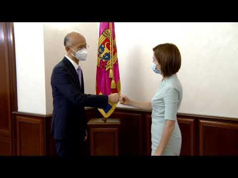 Președintele Maia Sandu s-a întâlnit cu Ambasadorul Republicii Populare Chineze în Republica Moldova, Zhang Yinghong