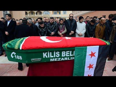 Δύο Τούρκοι νεκροί από ρουκέτες που εκτοξεύθηκαν από τη Συρία