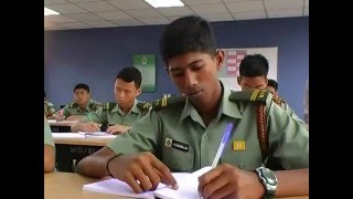 What is the Royal Military College (RMC) ?