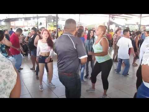 Bailando PUNTA, en la Plaza Típica de San Pedro Sula