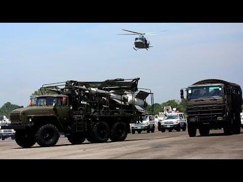 Στρατιωτικές ασκήσεις της Βενεζουέλας στα σύνορα με την Κολομβία…
