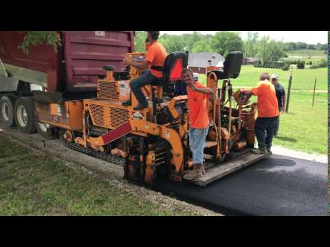 BLAW KNOX / INGERSOLL-RAND ASPHALT PAVERS PF-1510 equipment video lgEZ6Z3TUsk