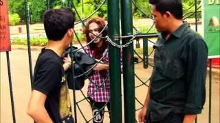 Download Video AXEL-Menembus Gerbang Besi/Passing Thru Iron Gate MP3 3GP MP4