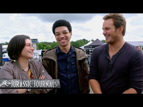 Jurassic World: El Reino Caído - Jurassic Journals #1 (HD)?>