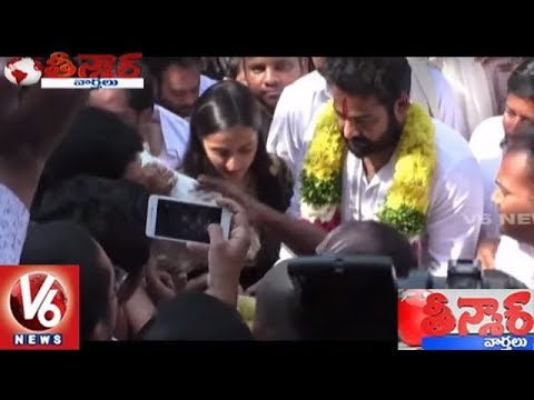 Jr NTR With His Wife Lakshmi Pranathi Visits Bhadrachalam Temple | Teenmaar News