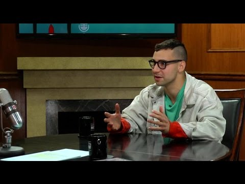 Jack Antonoff (of Bleachers and Fun) sits down with Larry King Now (Video)