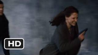 Nonton The Debt #5 Movie CLIP - Train Track Escape (2010) HD Film Subtitle Indonesia Streaming Movie Download