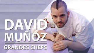 David Muñoz es un cocinero español de vanguardia que ha recibido tres estrellas michelín. Después de su paso por el restaurante Viridiana, además del ...