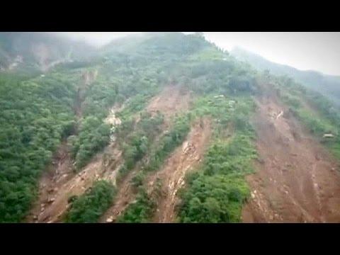 Νεπάλ: Φονική κατολίσθηση έθαψε έξι χωριά κάτω από τη λάσπη