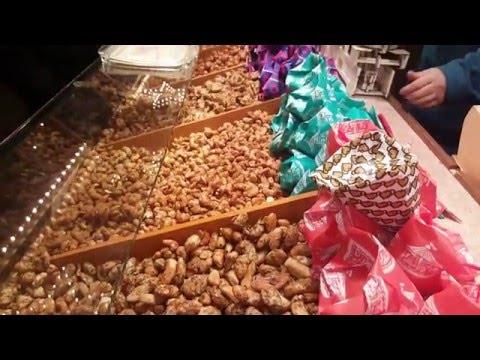 Gebrannte Mandeln: Test auf Kasseler Weihnachtsmarkt