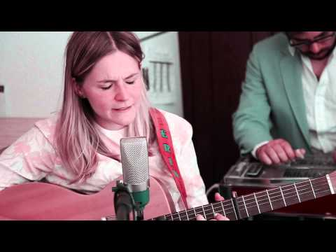 'Monticello' - Erin Rae & The Meanwhiles