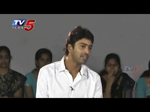 Allari Naresh Celebrated Diwali with School Students : TV5 News