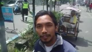 Video POLISI KETAKUTAN !! pria sederhana ini sangat di takuti polisi, LIHAT APA YANG DILAKUKANNYA MP3, 3GP, MP4, WEBM, AVI, FLV Agustus 2018