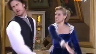 Aurélia e Fernando discutem , o jornalista provoca a loira , que furiosa dá um tapa na cara do marido , logo depois a irmã de...