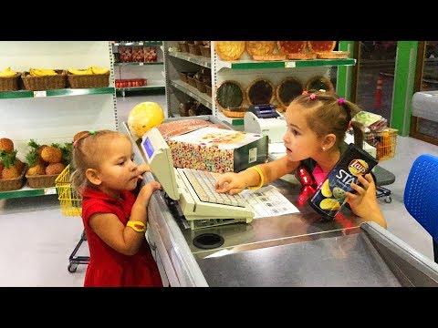 Алина играет в детском развлекательном центре Минополис Играем в сюжетные игры Развлечения для детей