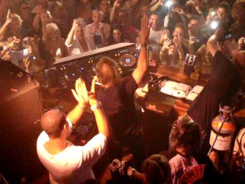 David Guetta (F**k me i'm famous party) @ PACHA Ibiza  13 August 2009  Open his set