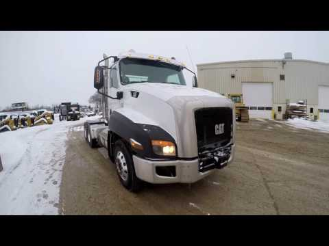 CATERPILLAR ON HIGHWAY TRUCKS CT660S equipment video llhDNBvyEXA
