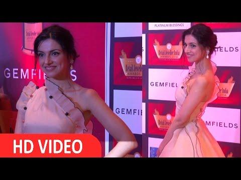 Divya Khosla Kumar At 12th Gemfields Retail Jeweller India Awards 2016
