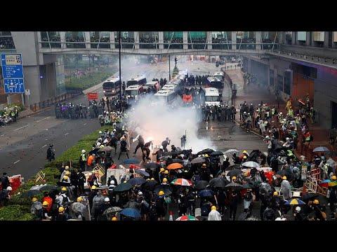 Χονγκ Κονγκ: Διάλογο ξεκινά η κυβέρνηση χωρίς τους διαδηλωτές…