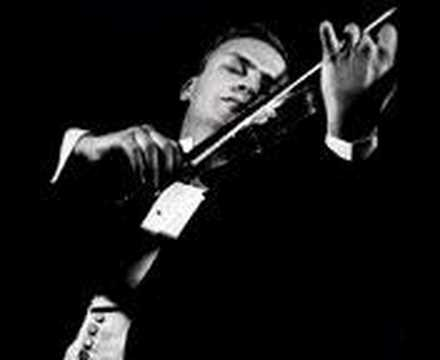 Yehudi Menuhin plays Bach Chaconne (Part 1)