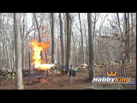 Dron z miotaczem ognia