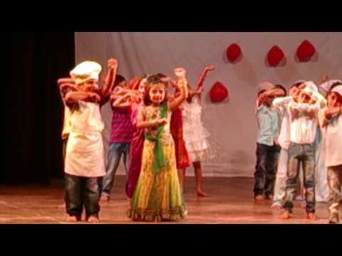 Video AAJ MEIN UPAR AASMAN NEECHE. DANCE BY MUSHTIFUND PRIMARY SCHOOL. 2013-14 download in MP3, 3GP, MP4, WEBM, AVI, FLV January 2017