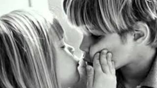 Download Lagu baciami ancora.wmv Mp3