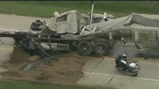Grand Prairie (TX) United States  city images : Motorway turned to hell! ▶ Fatal Semi Truck Crash In Grand Prairie, Texas