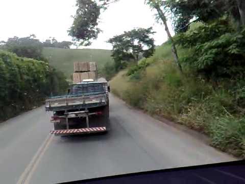 Imprudencia no transporte de bloco de pedra-cachoeiro
