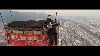 Video Dušan Vitázek - HEJ KAMARÁTI MOJI (official video)