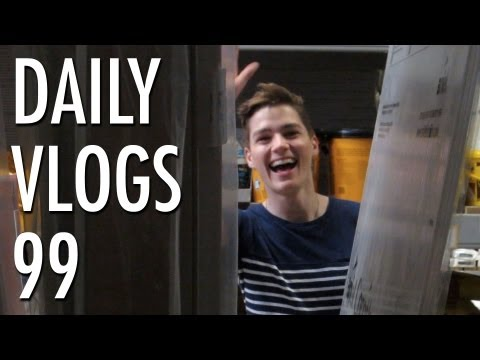louis cole - 100th vlog Q&A #asklouiscole (ask me loads of questions for tomorrow on twitter) http://www.twitter.com/foodforlouis Subscribe to DARCY! http://www.youtube.c...