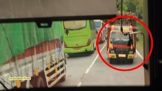 Video Nyaris Tabrakan ! Balapan Bus Sugeng Rahayu Patas vs Gunung Harta MP3, 3GP, MP4, WEBM, AVI, FLV Februari 2018