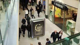 Cesars Secrets Werbung in Shopping Mall UK