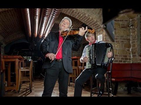 Videoklip ke skladbě Libertango v podání Jaroslava Svěceného a Ladislava Horáka