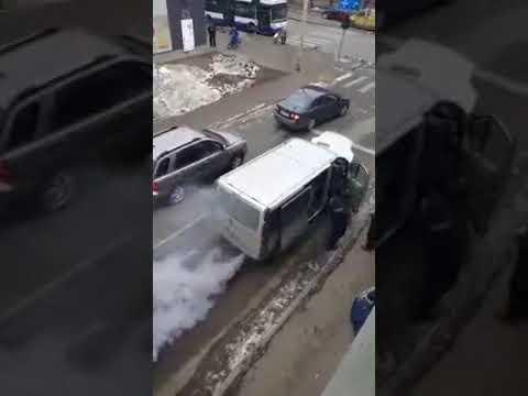 Pakettiautossa karkasi dieselimoottori käsistä – Melkoinen savukone