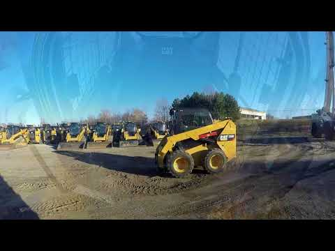CATERPILLAR KOMPAKTLADER 236D equipment video lqMV8YXr9Uc