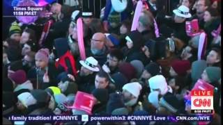New Year's Eve Live 2015 Anderson Cooper Kathy Griffin Times Square New York (13/17)