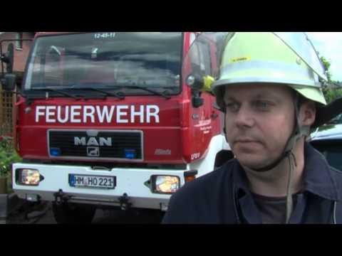 Schuppenbrand bedroht Wohnhaus in Holzhausen