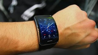 Samsung Gear S Hands-On (Deutsch) In diesem Video seht ihr ein deutsches Hands-On der Samsung Gear S, Samsungs aktuellster Smartwatch mit Tizen -------------...