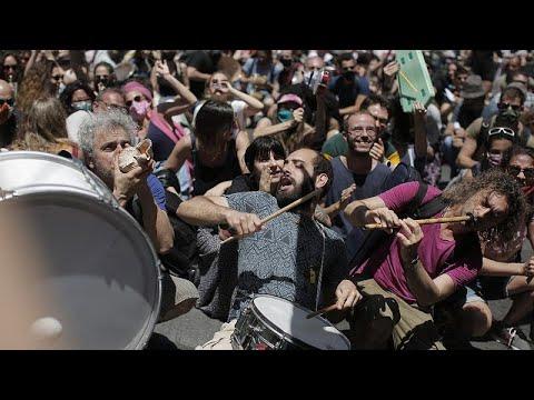 Ελλάδα: Πορεία των καλλιτεχνών στη Βουλή