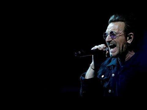 Έχασε τη φωνή του επί σκηνής ο Μπόνο των U2