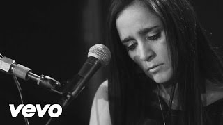 Julieta Venegas Featuring Javiera Mena y Gepe - Vuelve