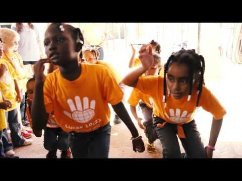 Edify's Dominican Republic Family Experience (видео)