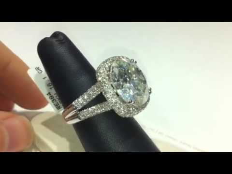 Big diamond ring 13.6 ct round in micro pave 2.27ct sides