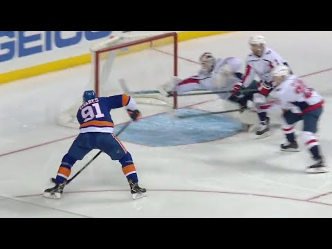 Video: Islanders' Tavares sneaks behind everyone to score, Capitals' Holtby pulled